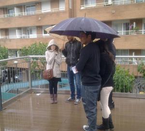 orando bajo la lluvia1
